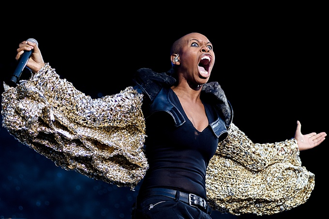 music photographer, Skunk Anansie NikonD700 86mm@f3.5 1/500sec ISO1600