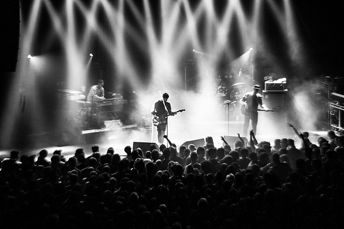 Portugal. The Man, Concert Photo, Linz, Austria, 2014, Petzval Lens: stage overview in Linz, Posthof
