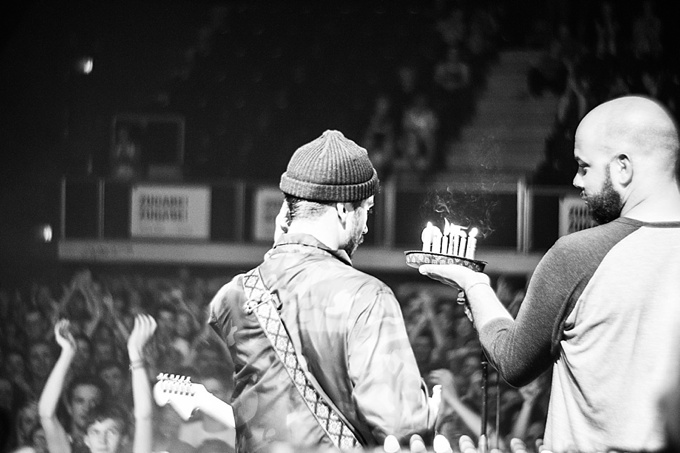 Portugal. The Man, Concert Photo, Linz, Austria, 2014, Petzval Lens: John Gourley gets a birthday cake on stage